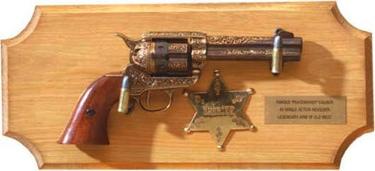 Sheriffs Collection Framed Set Non Firing Replica Gun