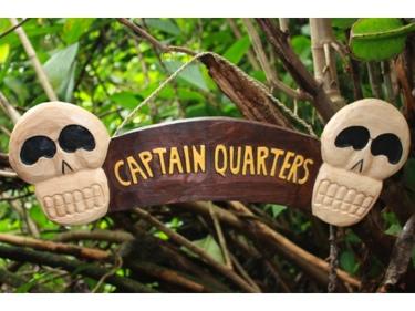 Captain Quarters Skull Sign 24 Skull Crossbones Decor