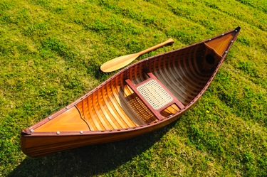 6 feet canoe with ribs