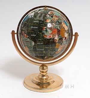 Aerugo globe 220mm pedestal stand round base SILVE